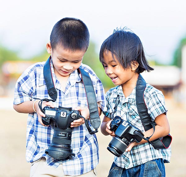 Kids photographer By Sasin Tipchai
