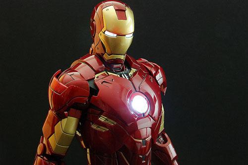 Iron Man Mark IV - Close up